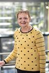 Dr Lynette Bowen